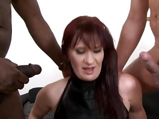 mature threesome anal and interracial dp